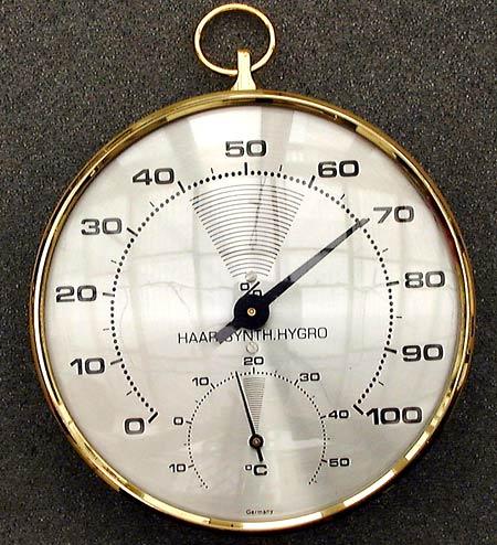http://pagesperso-orange.fr/lalam/photos/materiel_hygrometre/hygrometre-a-cheveux.jpg